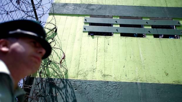 Cuatro reos se fugan tras motín en la cárcel de San Felipe