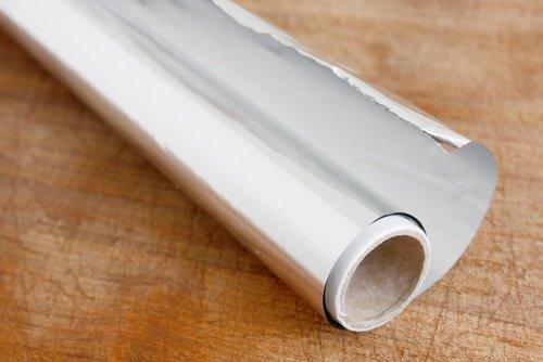 12 formas distintas de usar el papel aluminio en casa