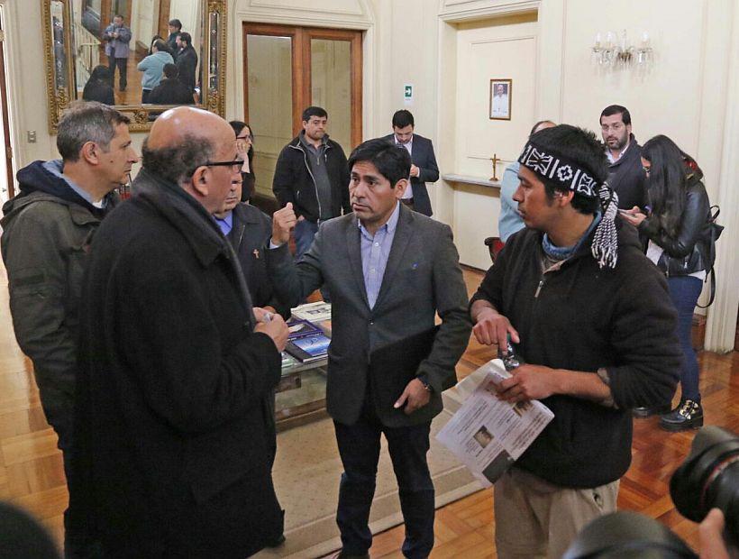 Asociaciones de Municipalidades con alcalde mapuche pide «una nueva Constitución que nazca del pueblo y entregue derechos a todos»