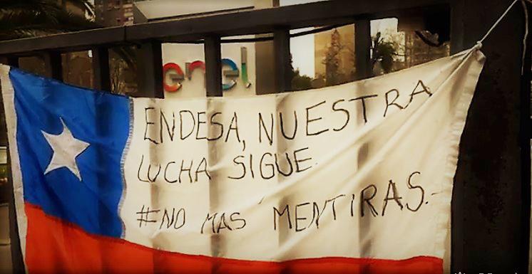 Vecinos reubicados por Bocamina II protestan frente a Enel y denuncian «viviendas de mala calidad»