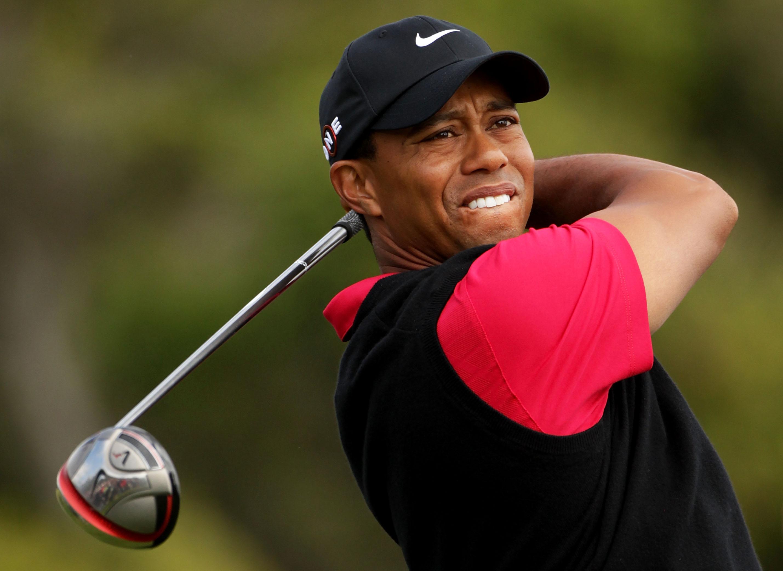 Golfista Tiger Woods sufre accidente de transito
