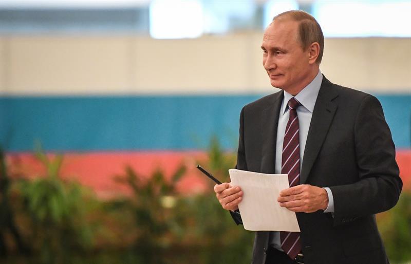 Rusia: Vladímir Putin vota en comicios locales sin declarar nada sobre su posible reelección