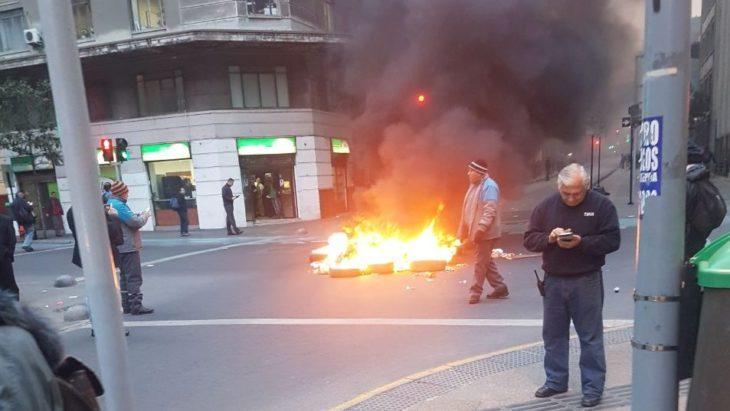 Se realizan cortes de calle en diferentes puntos en protesta por Reforma de Educación Superior