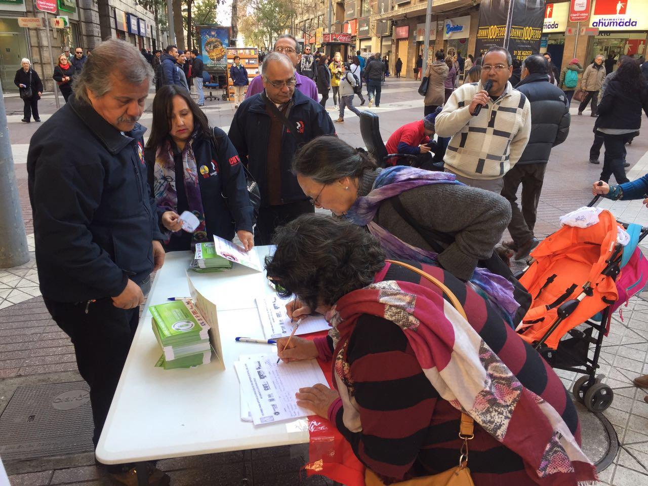 """Movimiento Litio para Chile rechaza multa por """"ruidos molestos"""" cursada por la Municipalidad de Santiago"""