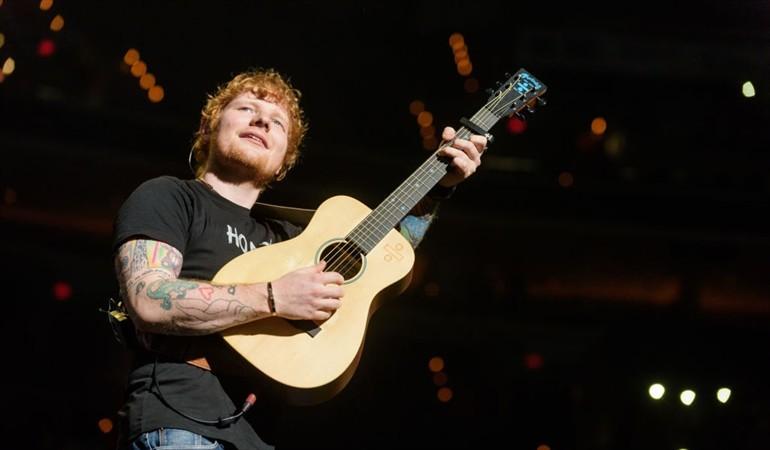 Publican las primeras fotos de Ed Sheeran con ambos brazos rotos tras sufrir accidente
