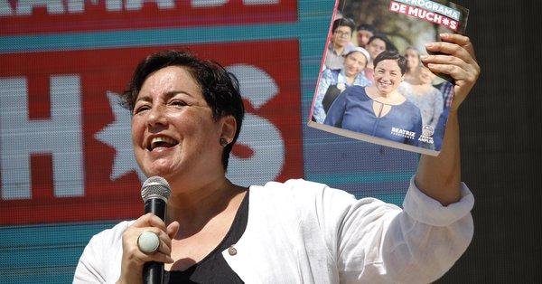 Urnas abiertas: Irrumpe el Frente Amplio, encuestas son abofeteadas y la incertidumbre se instala en segunda vuelta