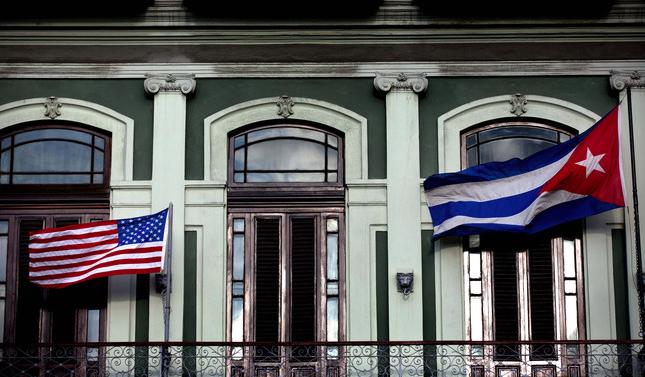 EE.UU. eleva la tensión con Cuba al expulsar a 15 funcionarios cubanos
