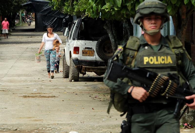 """Colombia: ONU considera que disidencias """"empañan"""" éxito de dejación de armas de las FARC"""
