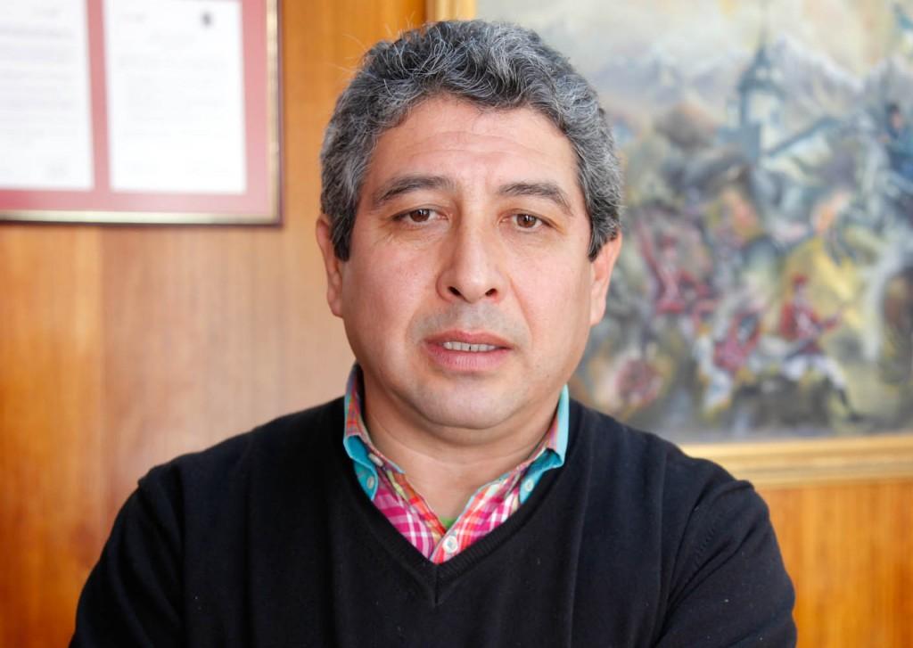 Edison Ortiz: El PS «no tiene relación alguna con el partido de Allende. Es un partido de funcionarios»
