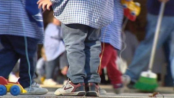 """Informe de Save the Children: Casi un millón y medio de niños vive una pobreza """"severa"""" en España"""