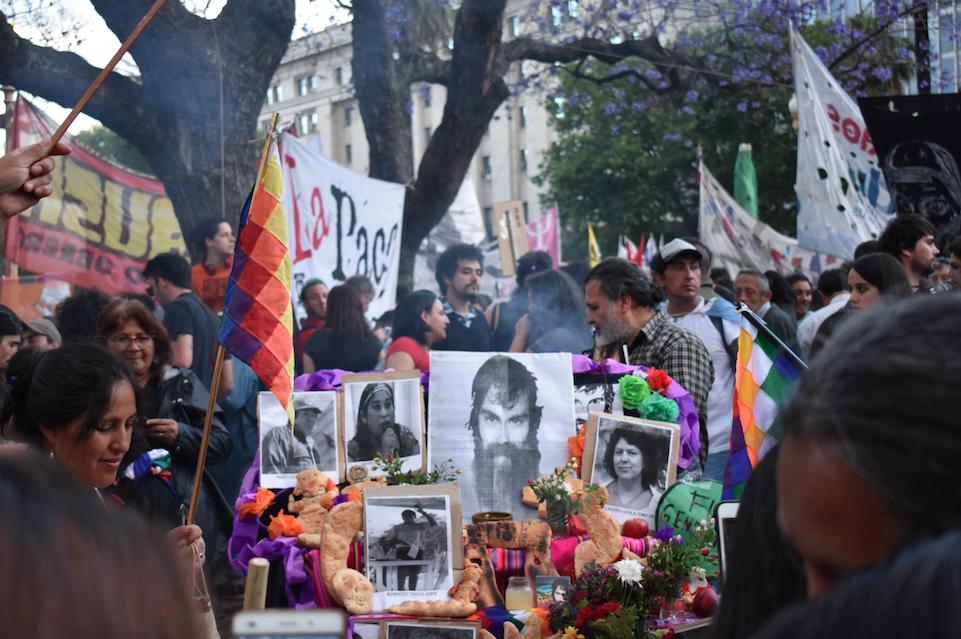 """""""No estábamos listos para su muerte"""": Buenos Aires marcha a tres meses de la última vez que se vio con vida a Santiago Maldonado"""