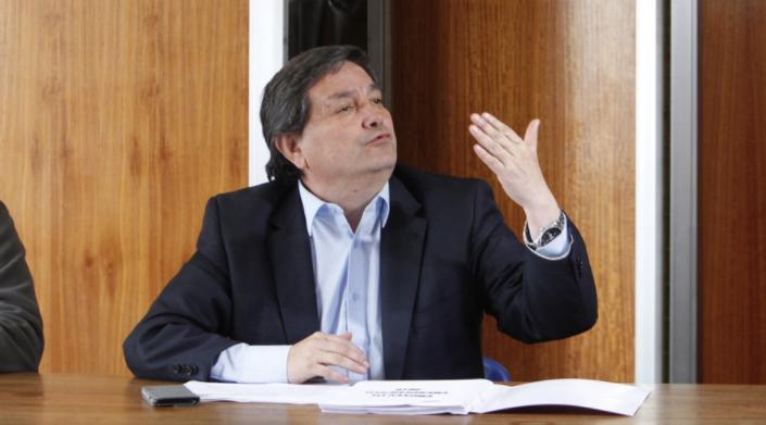 """Reaparece alcalde de San Ramón: """"El entorno de Lagos me pasó la cuenta a mí y a Guillier"""""""