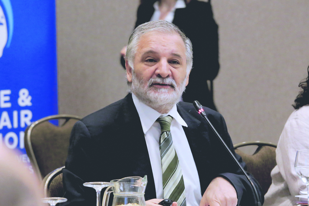 Parlamentarios exigen a vicepresidente de Corfo que explique acuerdo con Soquimich para explotar litio