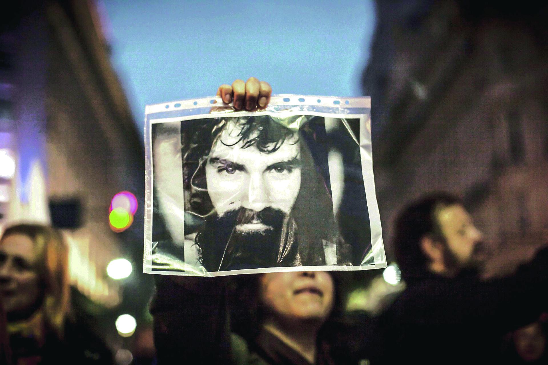 Argentina: Ascienden al policía imputado por la muerte de Santiago Maldonado