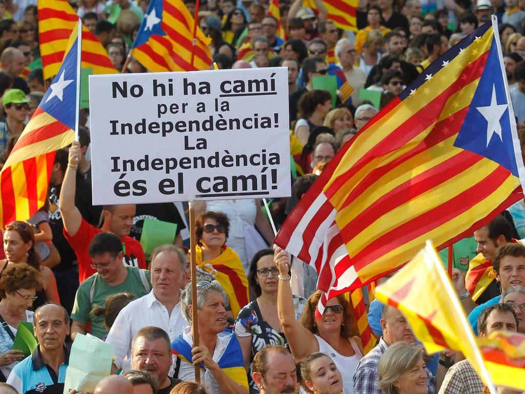 Elecciones en Cataluña: Independentistas revalidan mayoría absoluta en el Parlament