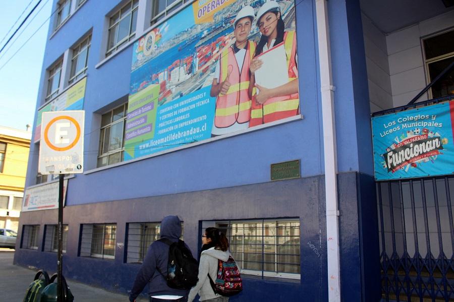 Valparaíso: Mujer fue detenida tras negarse a ser vocal de mesa