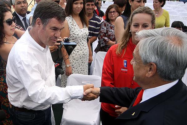 Ossandón acepta ofrecimiento y se une a campaña de Piñera