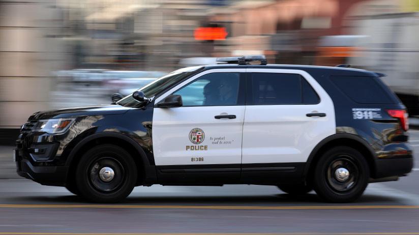 Estados Unidos: policía graba por error el momento en el que le planta cocaína a un detenido