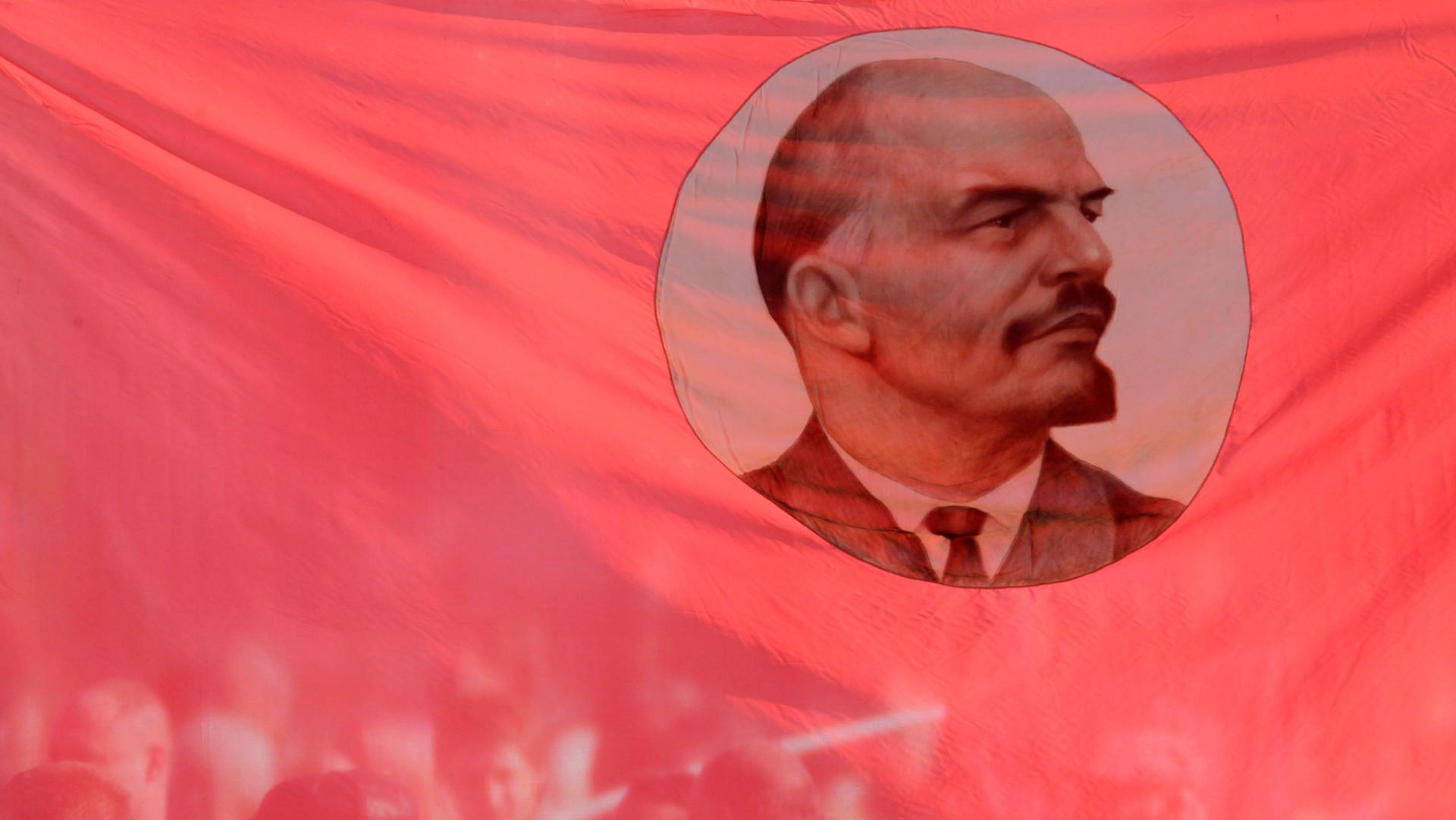 A 100 años de la revolución comunista en Rusia: los obreros y campesinos al poder