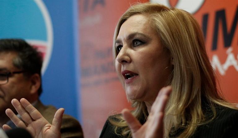 """Pamela Jiles: """"Bachelet tuvo todas las posibilidades de hacer un gobierno histórico"""""""
