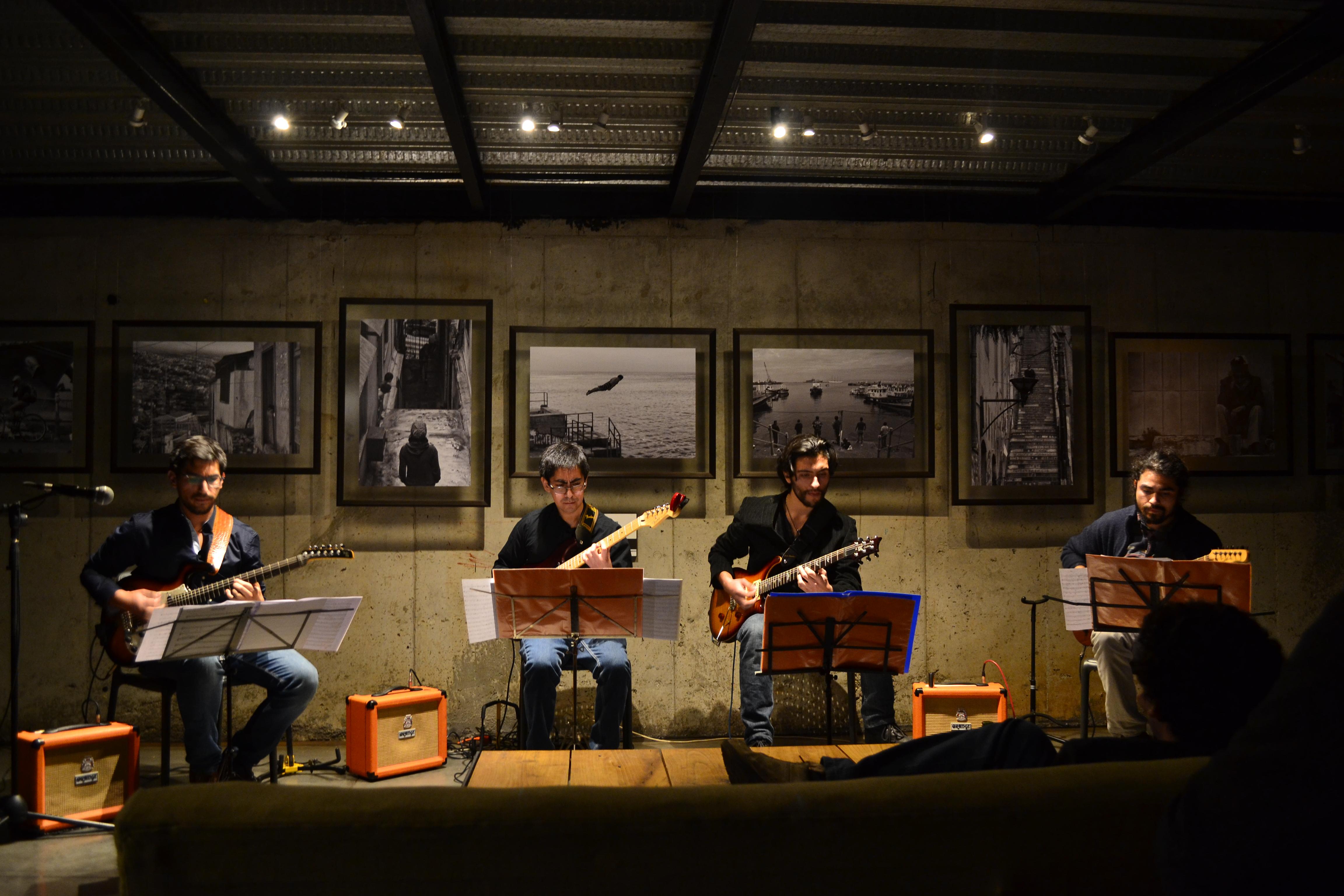 """Cuarteto de guitarras eléctricas """"Quarto Ensamble"""" cierra el año con concierto en Valparaíso"""