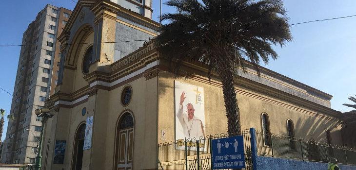 Iquique: Vecinos y expertos alertan sobre el «evidente deterioro» de la catedral que recibirá al Papa Francisco