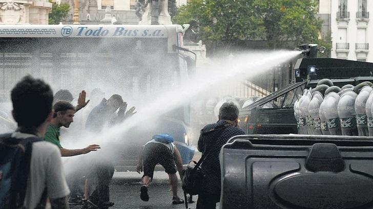 Día de tensión en Argentina: paro general y protestas contra la reforma previsional de Macri