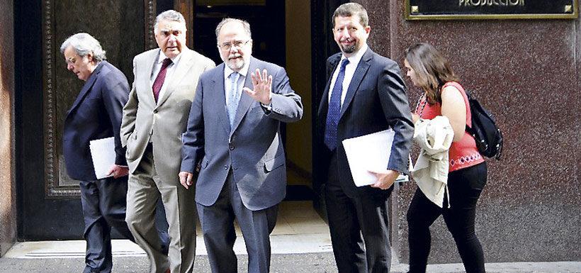 """Ministros dieron """"visto bueno"""" a polémico acuerdo de Corfo con Soquimich"""