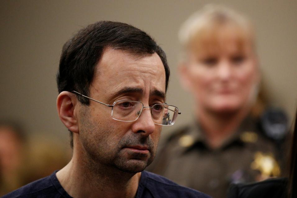 Médico abusador de gimnastas estadounidenses recibirá entre 40 y 175 años de cárcel