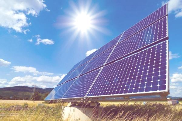 Ecologistas celebran anuncio de corrección del impuesto verde, que hoy afectaría en parte a las Energías Limpias
