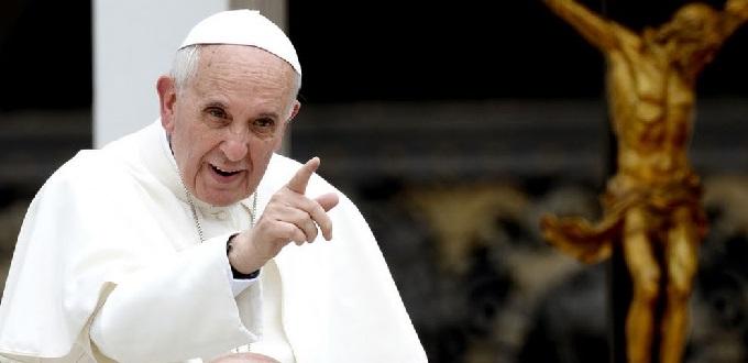 «Papa progre» se cuadra con el aborto en visita a su sede universitaria y valora «coraje» de la PUC