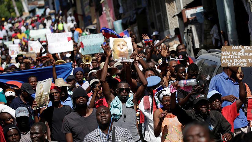 Haití: multitudinaria protesta anti-Trump en la embajada de EE.UU. (VIDEO)