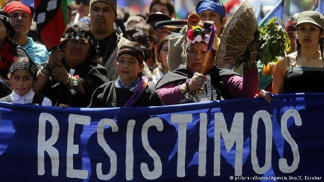 Por qué los mapuches que habitan en Argentina y Chile se levantan en defensa de sus tierras ancestrales
