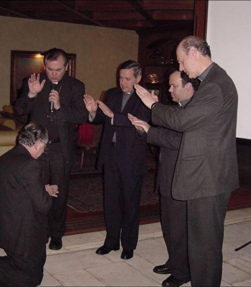 Analista y teólogo afirma que visita del Papa se hundió en «los barros de Barros»