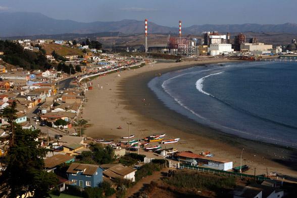 Puchuncaví: Detectan vertimiento de excremento y aguas servidas en playa de Ventanas