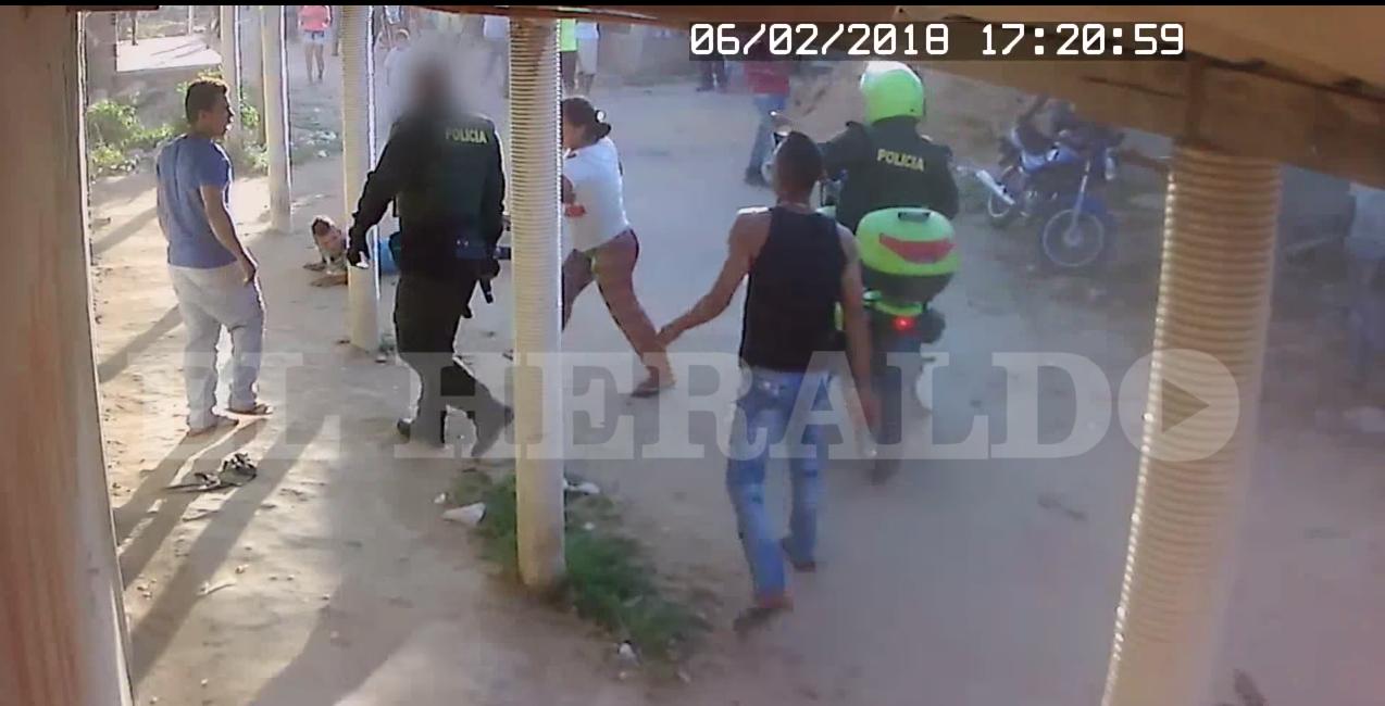 Colombia: Policía mata a un joven que lo amenazó tras no pagar una bebida (VIDEO +18)