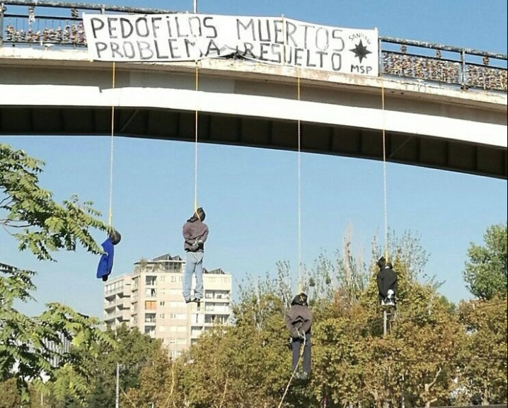 """Realizan agresiva manifestación contra pedófilos en """"Puente de los candados"""""""