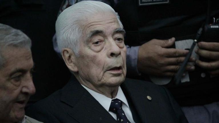 Muere genocida argentino Luciano Menéndez a los 90 años