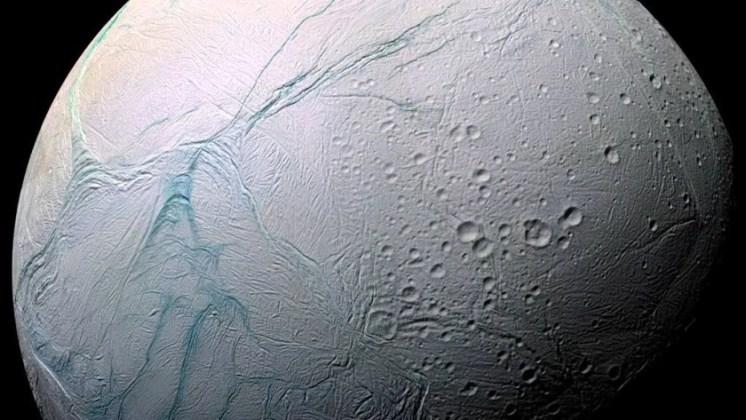Científicos identifican un microorganismo que podría sobrevivir en Encélado, la luna de Saturno