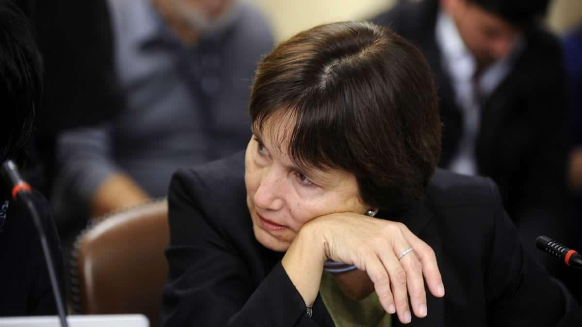 Comisión de Salud de la Cámara citará a Ministra Carmen Castillo por muerte de bebés en Clínica Alemana