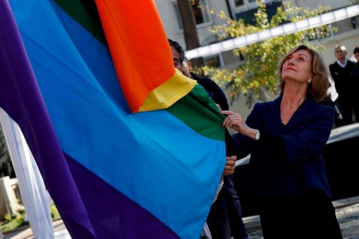 Providencia reconoce a personas trans e instruye a funcionarios respetar sexo e identidad social