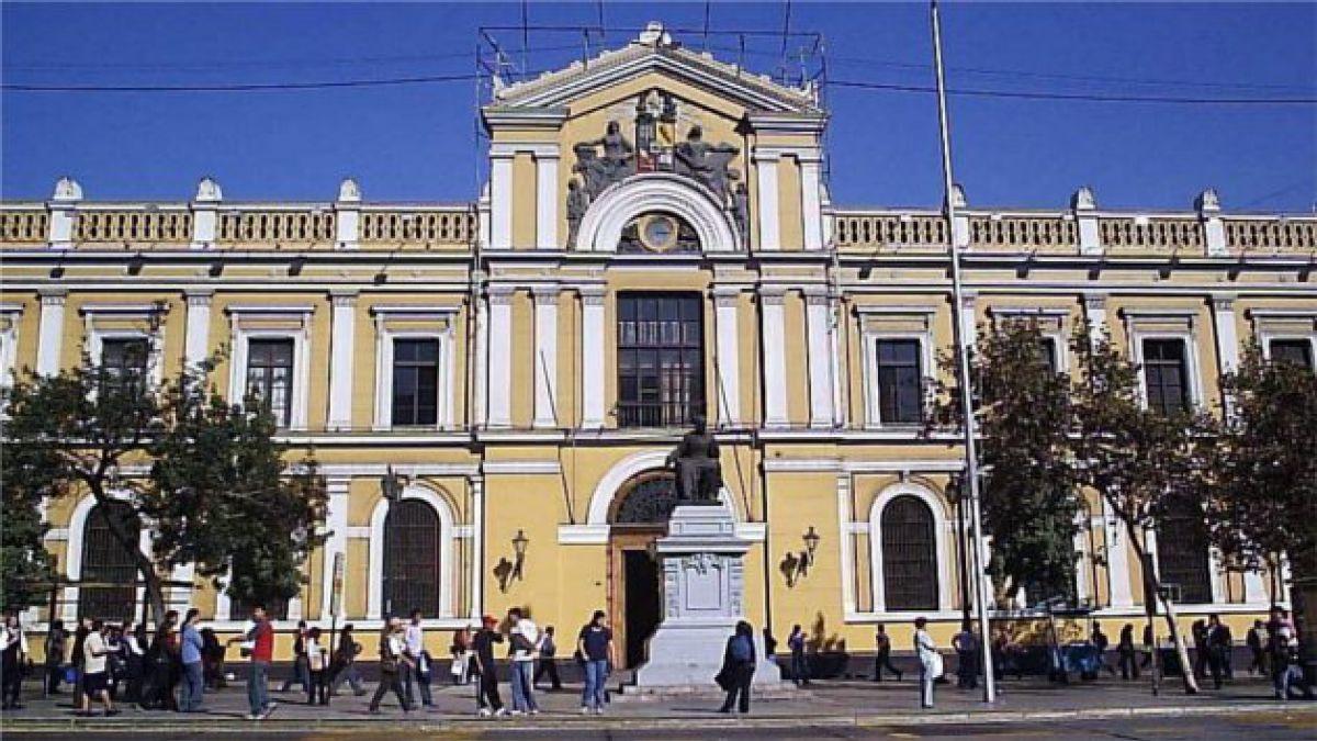 Corte de Apelaciones de Santiago confirma sentencia que declara prescrita deuda por crédito universitario