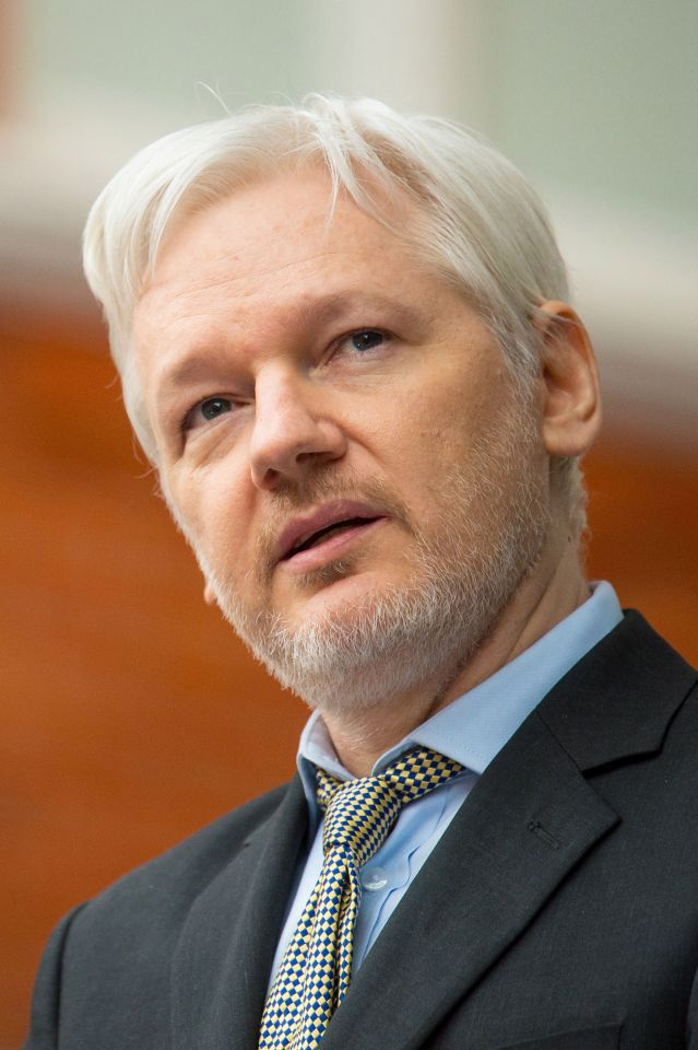 Justicia británica rechaza petición de Assange y mantiene orden de detención en su contra