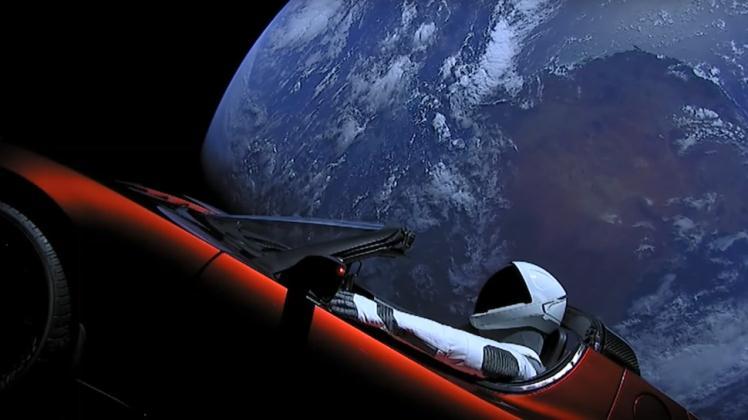 El automóvil Tesla Roadster de Elon Musk podría estrellarse contra la Tierra