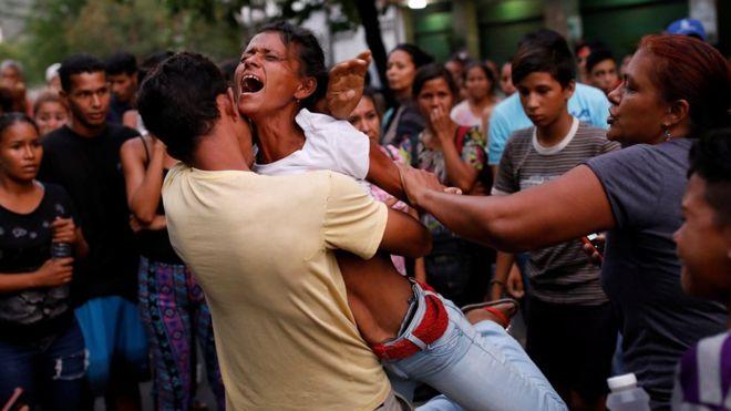 Estiman en 68 los fallecidos en estación de policía en Venezuela