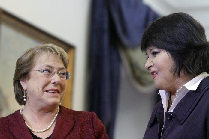 «Una burla» y «falta de respeto cruel»: Duras críticas de Carmen Gloria Quintana a Bachelet por continuidad de Punta Peuco