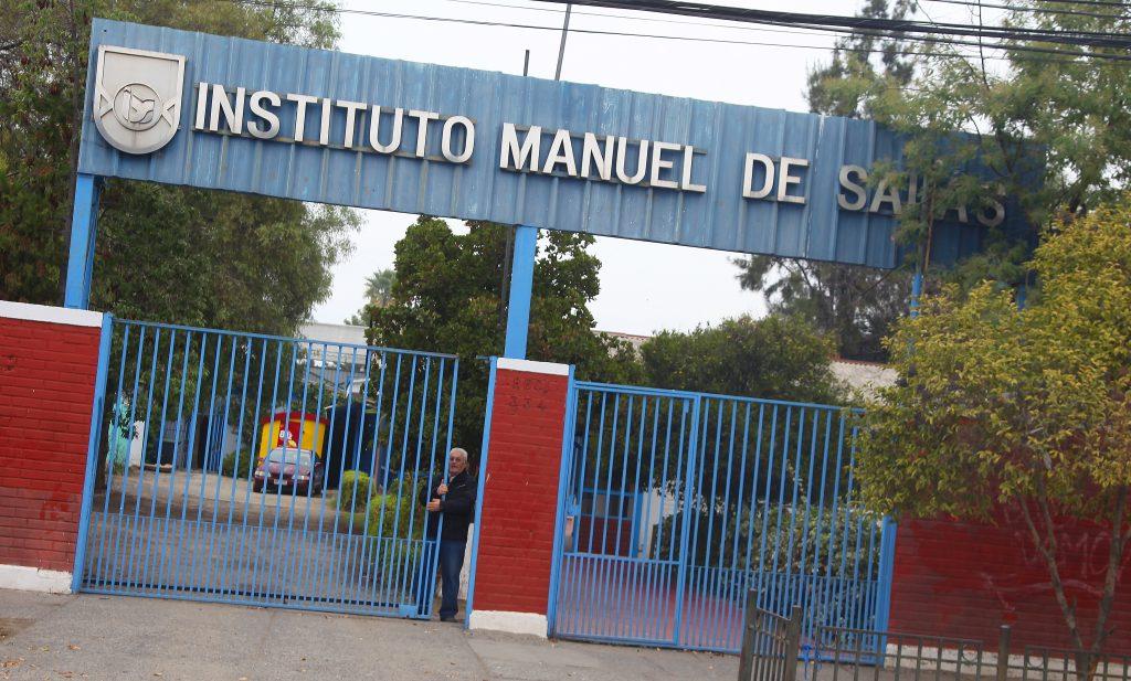 Sin notas y recreos más largos: Así es el nuevo sistema implementado por el Liceo Manuel de Salas