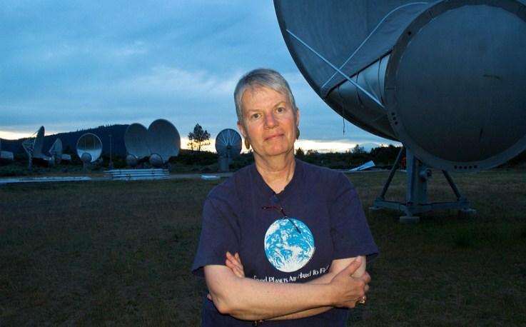 Astrónoma que inspiró la película «Contacto» espera que encontremos vida extraterrestre inteligente hacia 2100