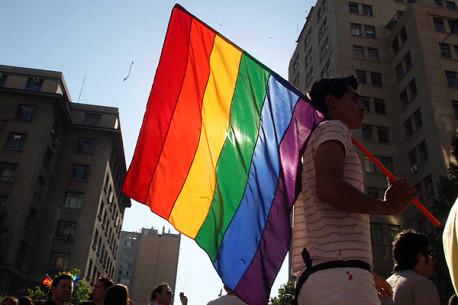 Acuerdo entre Estado y Movilh que compromete Identidad de Género es «legal y vinculante» según Contraloría