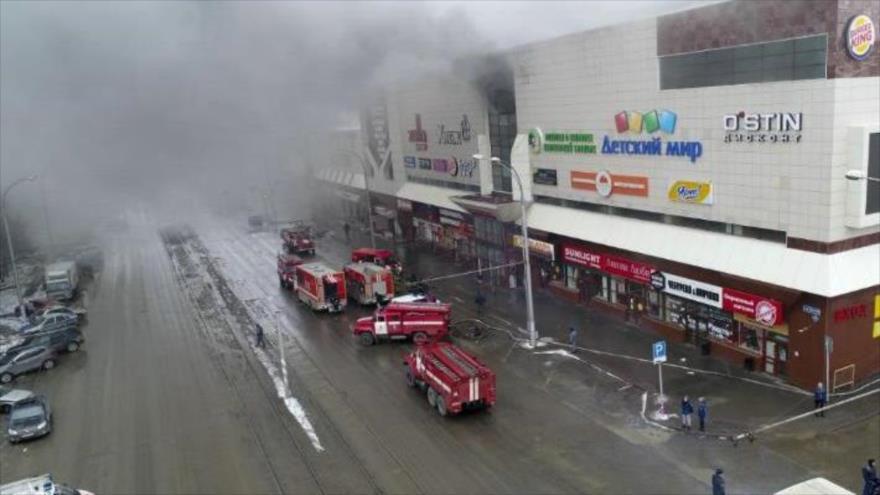Al menos 37 muertos se reportan en incendio en Kemerovo Rusia
